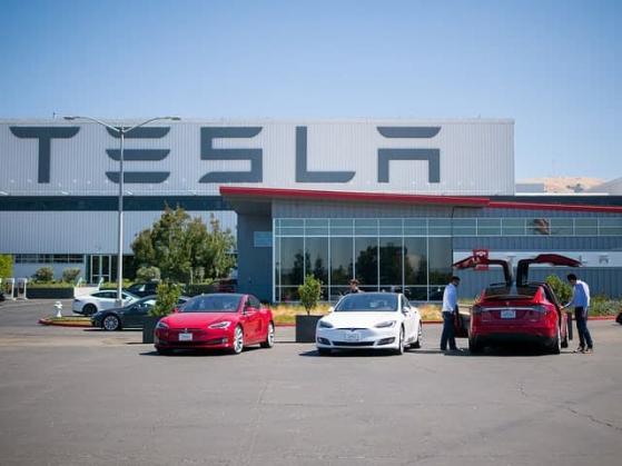 """""""Tesla ist wie Apple vor 20 Jahren"""" – aber das ist nicht nur positiv!"""