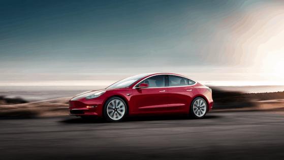Tesla-Aktie auf der Überholspur und E-Auto-Marktanteil steigt rasant!